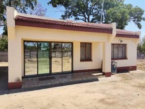 2 bedroom Houses for sale Waterfalls Harare South Harare
