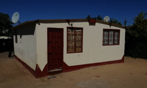 4 bedroom Houses for sale Magwegwe Bulawayo High-Density Bulawayo