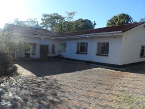 3 bedroom Houses for rent Hillside Bulawayo South Bulawayo