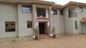 5 bedroom Villa for rent Naguru Kampala Central Kampala Central