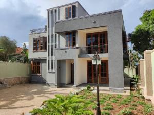 4 bedroom Villa for sale Munyonyo Kampala Central Kampala Central