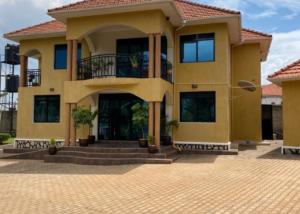 7 bedroom Apartment for sale sonde Mukono Central