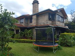 5 bedroom Bungalow Houses for sale Karen Nairobi