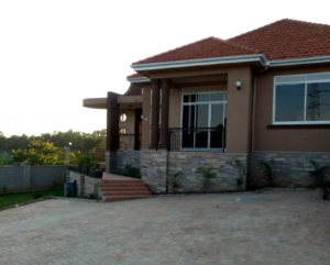 5 bedroom Apartment for rent Kampala Central