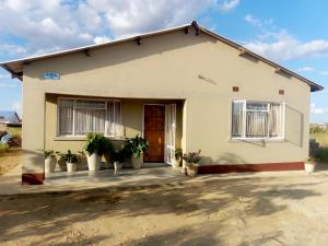 5 bedroom Houses for sale Mbizo Kwekwe Midlands