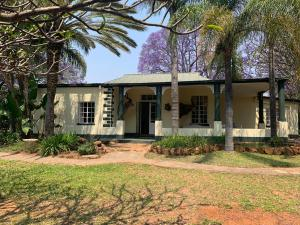 9 bedroom Houses for sale Matsheumhlope Bulawayo East Bulawayo
