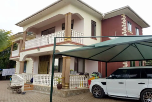 7 bedroom Apartment for rent Kayunga Central