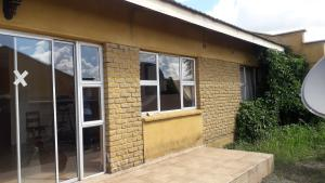 2 bedroom Garden Flat for sale Madokero Harare West Harare