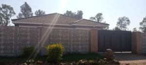 5 bedroom Houses for sale Westlea Harare West Harare