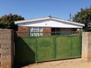 4 bedroom Houses for sale Nkulumane Bulawayo High-Density Bulawayo
