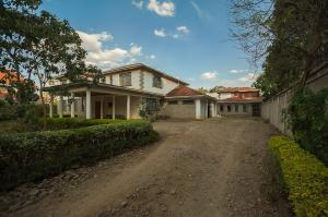 4 bedroom Bungalow Houses for sale Ridgeways Nairobi