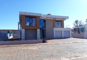 Townhouses Garden Flat for sale - Mount Pleasant Harare North Harare