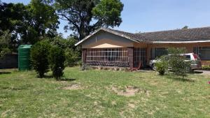 3 bedroom Houses for sale dabshre Waterfalls Harare South Harare