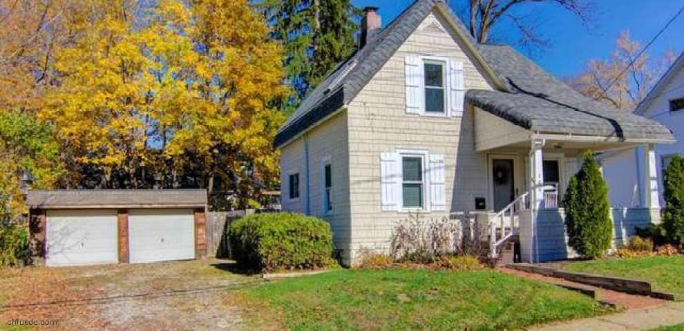 106 Olive St, Chagrin Falls, OH 44022