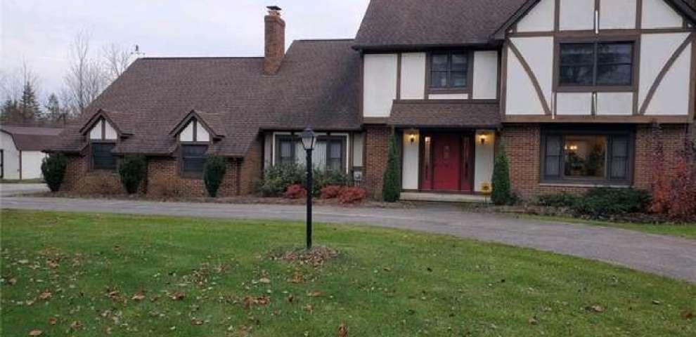 11466 Eastridge Cir, Chardon, OH 44024 - Property Images