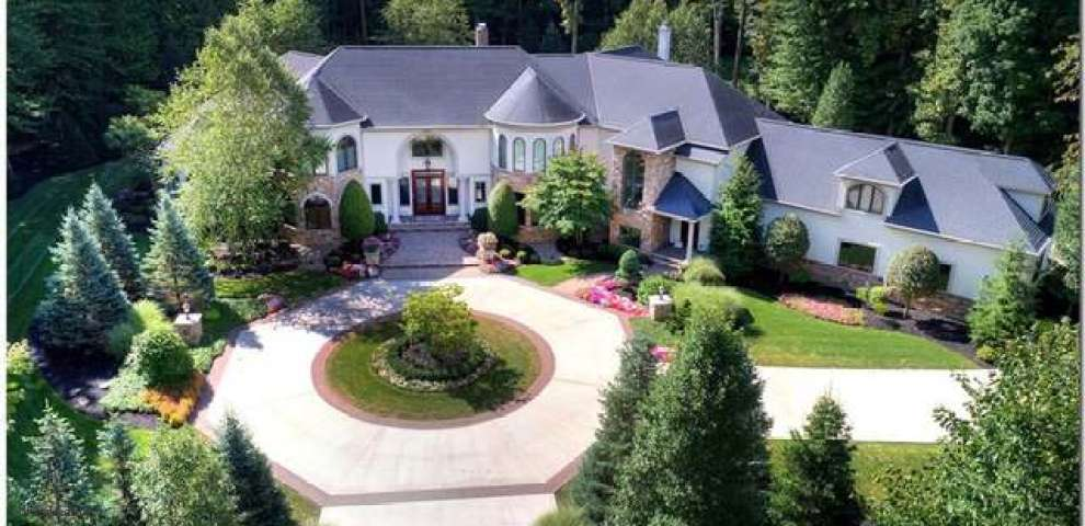 8320 Sanctuary Dr, Kirtland Hills, OH 44060