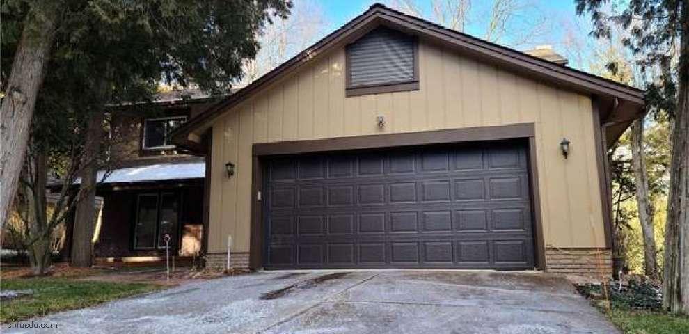 823 Cedar Grove Cir, Sagamore Hills, OH 44067