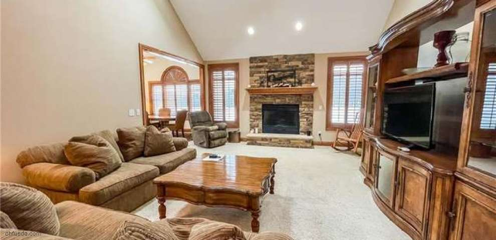 2338 Rivers Edge Dr, Willoughby Hills, OH 44094