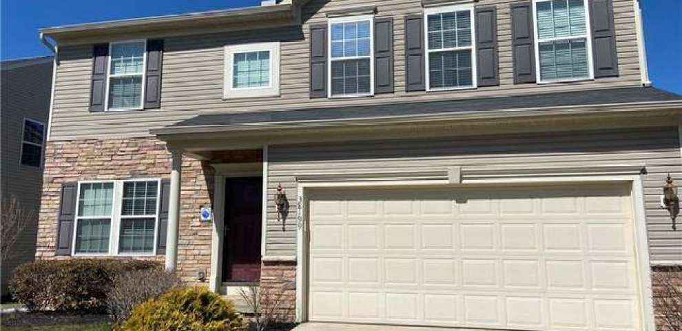 38199 Waterford Dr, Willoughby, OH 44094