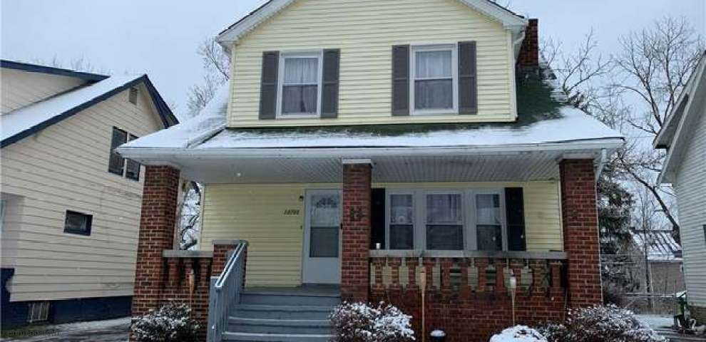 13703 S Parkway Dr, Garfield Heights, OH 44105