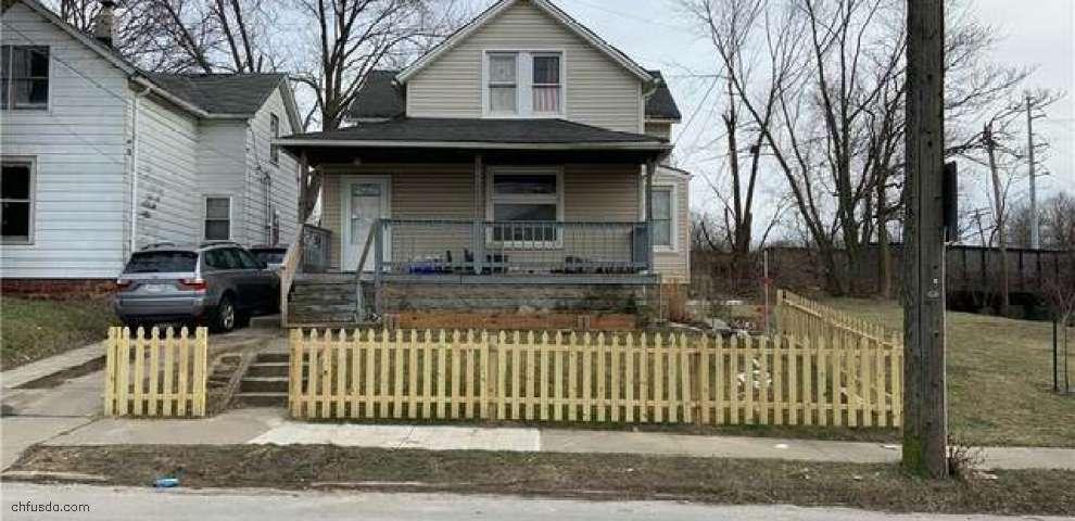 7716 Jones Rd, Cleveland, OH 44105