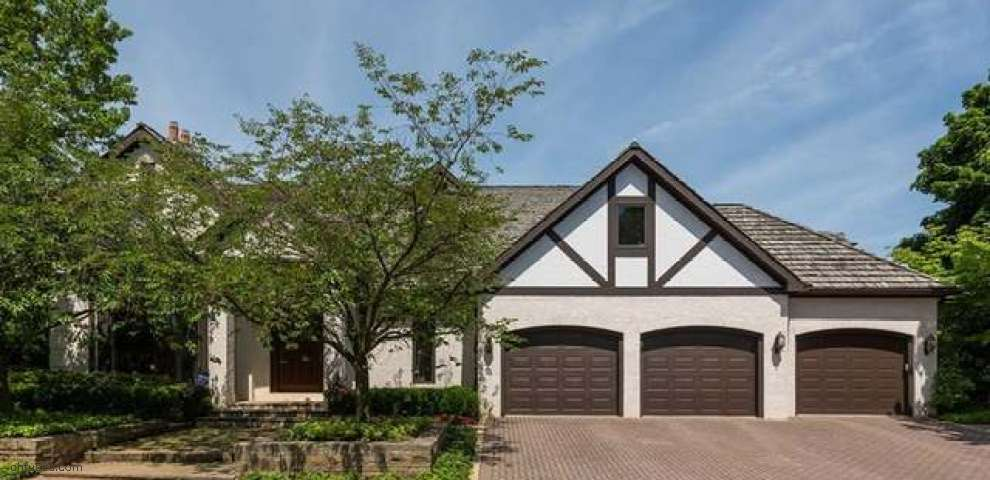 12 Westhampton Dr, Rocky River, OH 44116