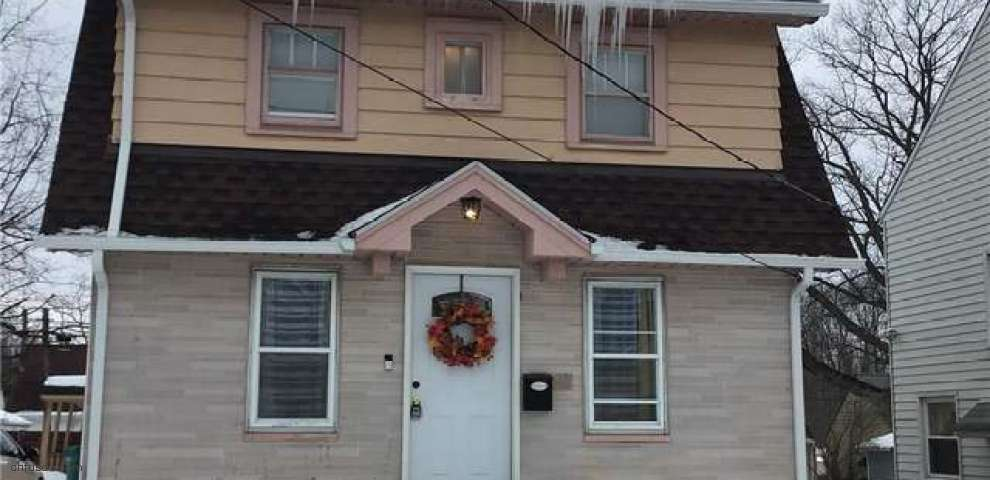 19060 Raymond St, Maple Heights, OH 44137