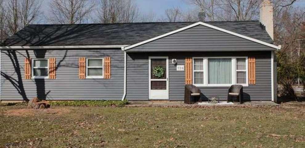 724 Lander Rd, Highland Heights, OH 44143