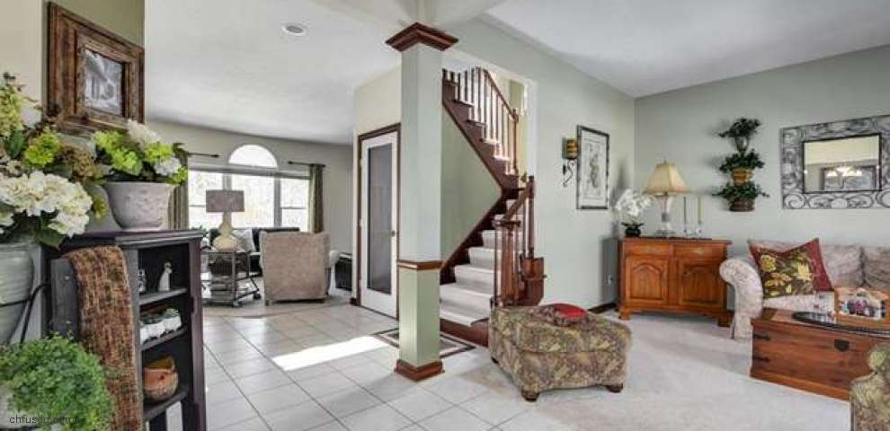 7885 Glengate Dr, Broadview Heights, OH 44147