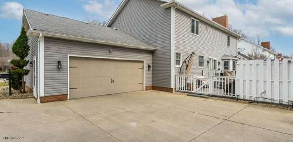 321 Hilltop Blvd, Canfield, OH 44406