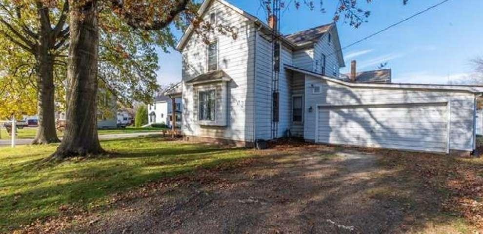 30 S Middle St, Columbiana, OH 44408