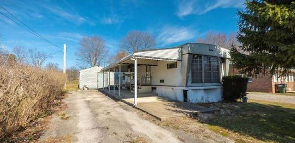 402 Quincy Ave, Columbiana, OH 44408