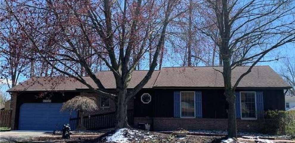 2608 Pine Oak Ct, Niles, OH 44446