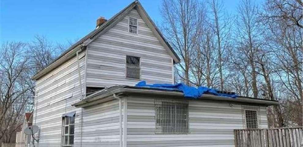 144 Comstock St NE, Warren, OH 44483