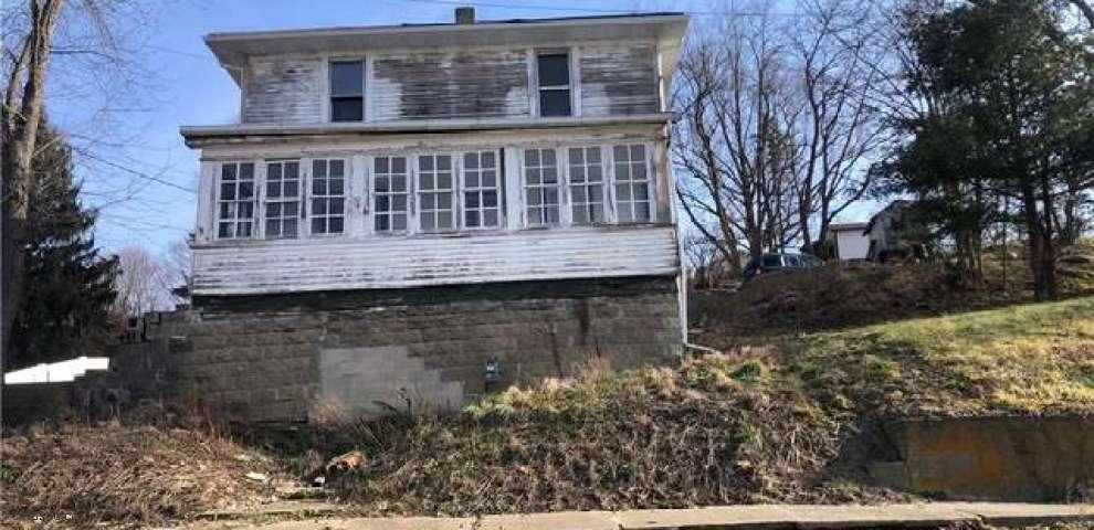 163 N Crawford St, Millersburg, OH 44654