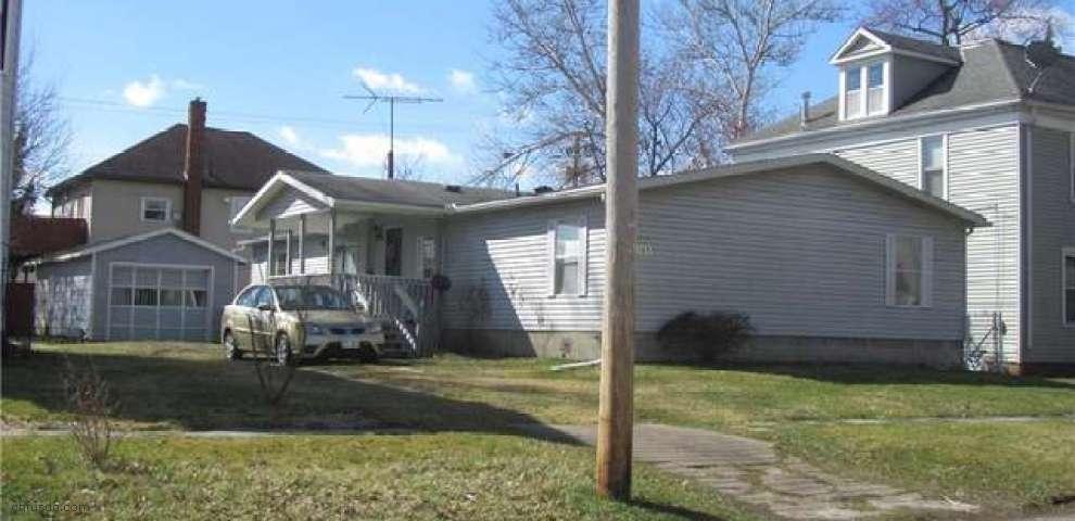 165 W Maryland Ave, Sebring, OH 44672