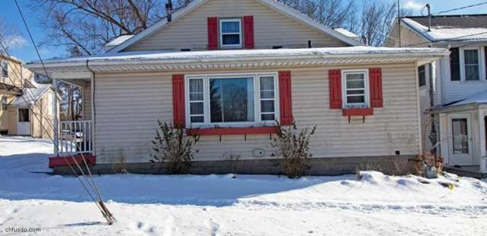 212 W Main St, Smithville, OH 44677