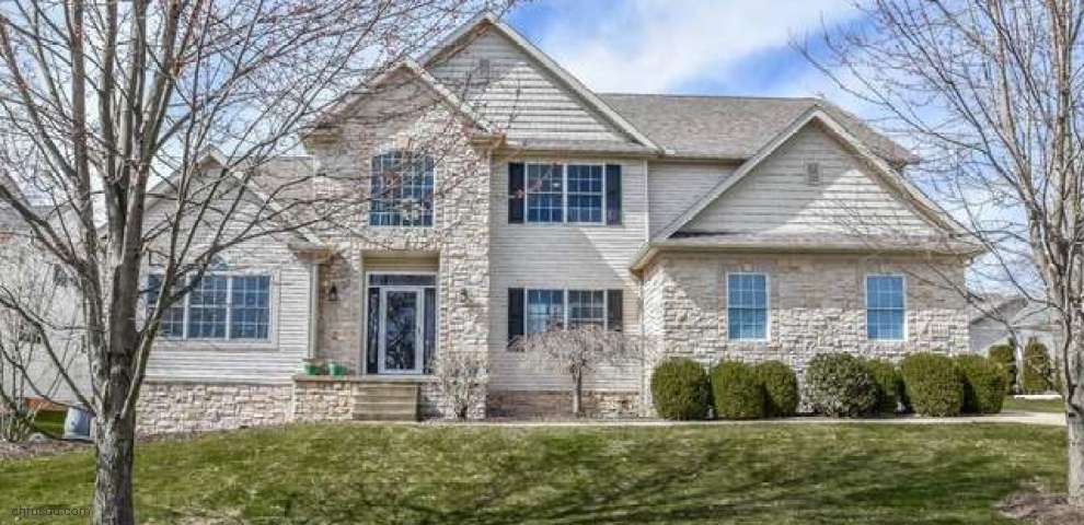 8493 Deacon Ave NW, North Canton, OH 44720