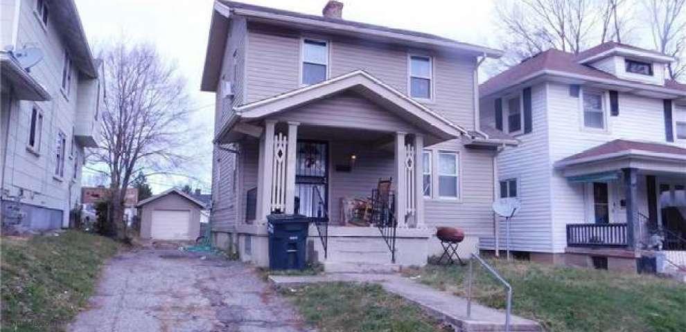 233 E Maplewood Ave, Dayton, OH 45405