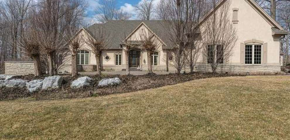 1533 Country Wood Dr, Sugarcreek Township, OH 45440