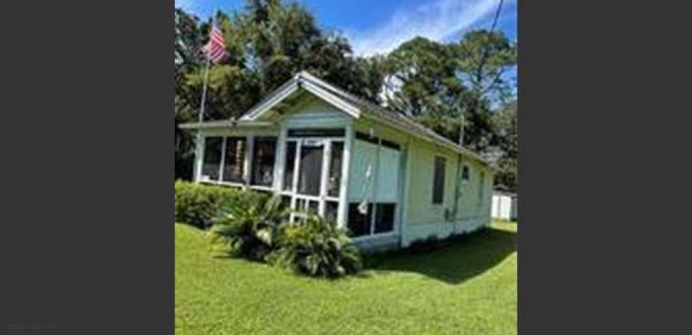 745 Kenneth Ct, Fernandina Beach, FL 32034