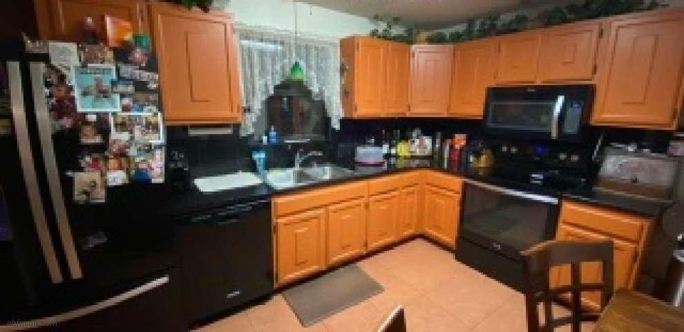 7086 Woodlawn Rd, Macclenny, FL 32063