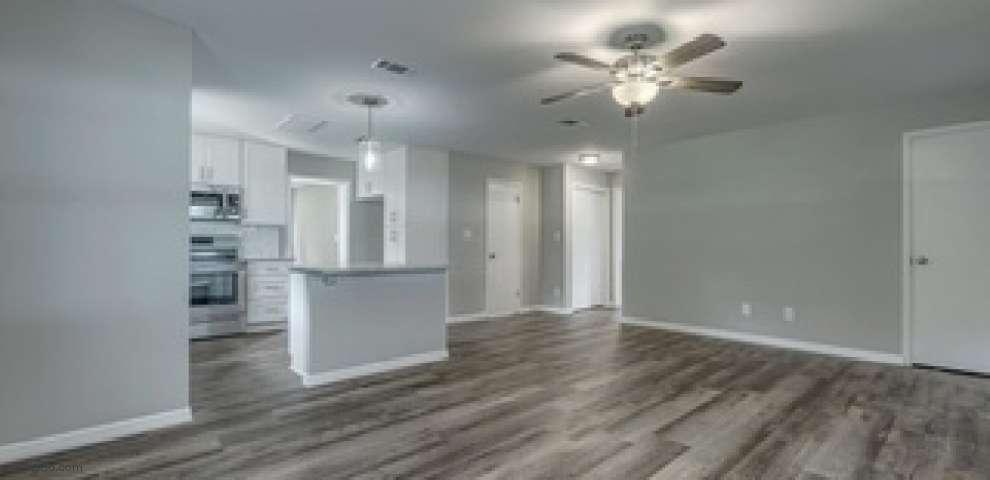 103 Bass Ave, Satsuma, FL 32189