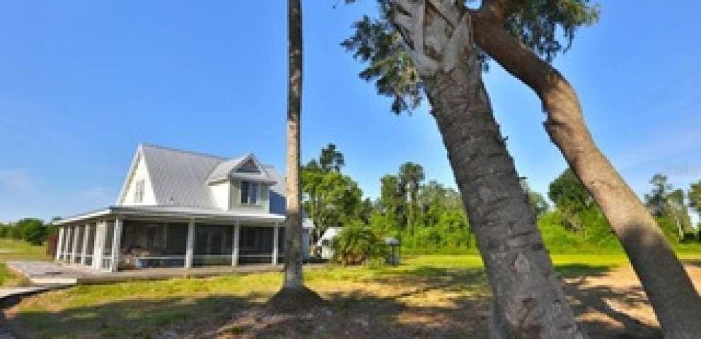12115 SE Sunset Harbor Rd, Weirsdale, FL 32195