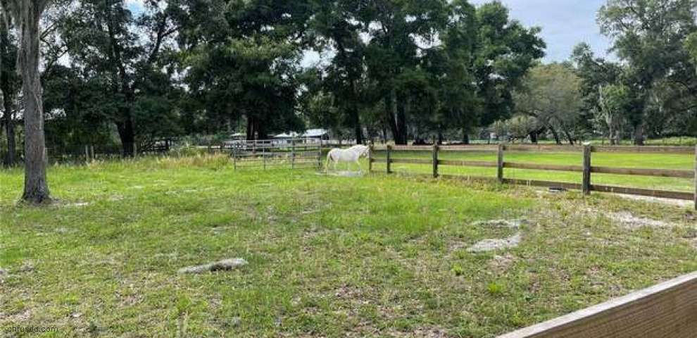 17284 SE 158th Ave, Weirsdale, FL 32195