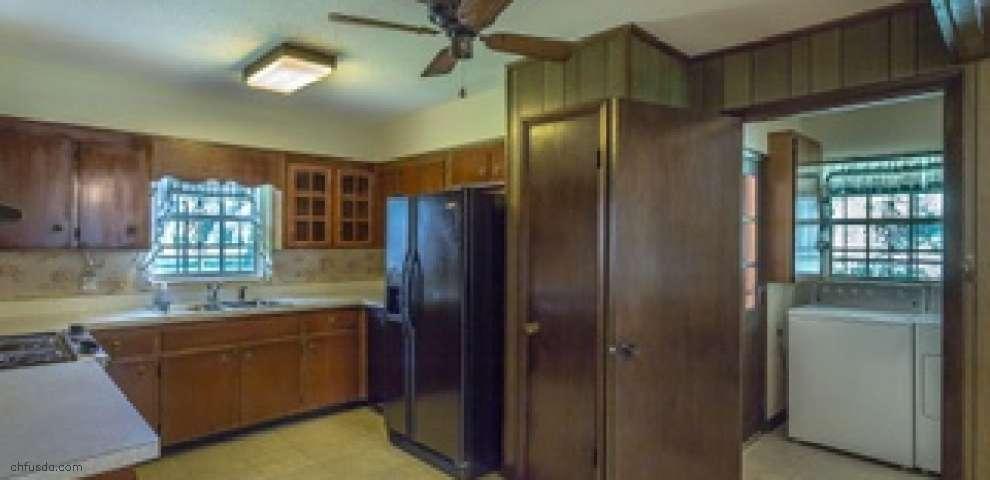1767 W Oak Ridge Rd, Tallahassee, FL 32305
