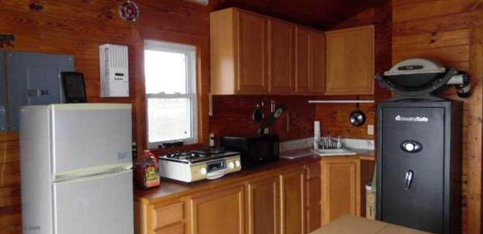 709 Mill Rd, Carrabelle, FL 32322