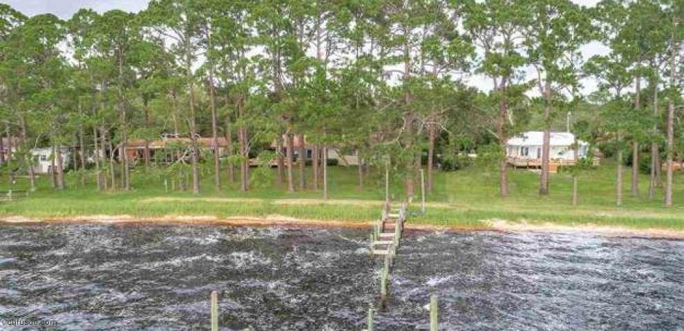 2739 Surf Rd, Ochlockonee Bay, FL 32346