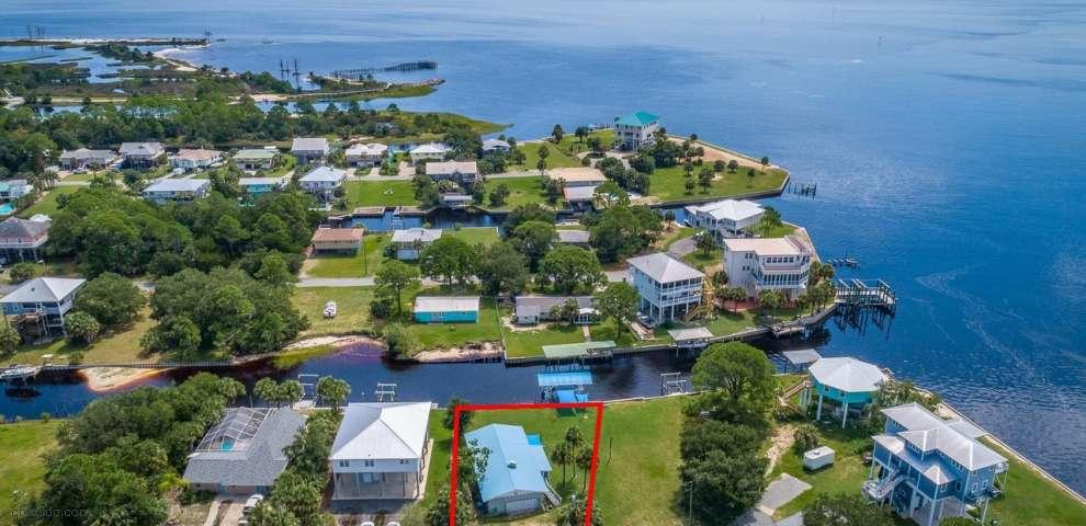 41 Blue Crab Ln, Ochlockonee Bay, FL 32346