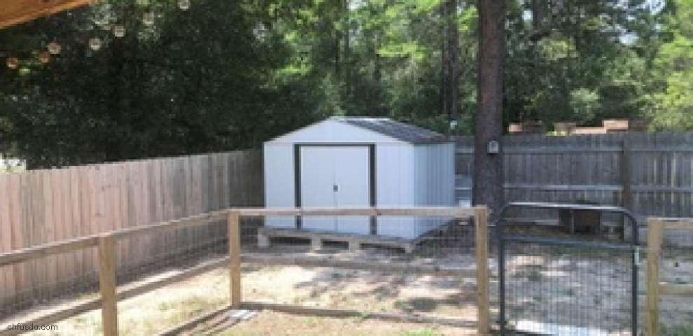20 Magnolia Lake Dr, Defuniak Springs, FL 32433